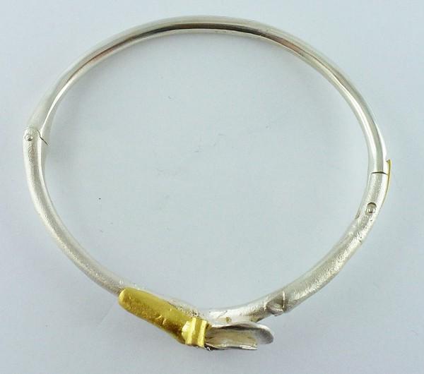 Armreif im LAPPONIALOOK, Silber Sterlingsilber 925/-, Gelbgoldapplikationen 585/-, 1 Brillant 0,05ct. TW/SI, icematt, 23,3g, Einzelstueck